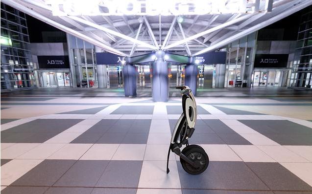 INU智能电动车能自动折叠-广州磐众智能科技有限公司