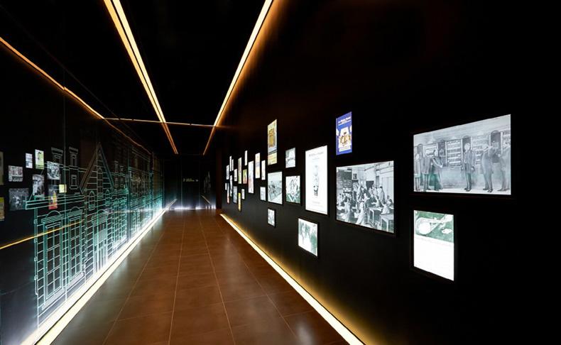 博物馆展示查询机--广州磐众智能科技有限公司